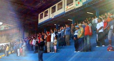 Público no Estádio confiante na vitória que não veio.  524 pagantes e 82 menores garantiram um pequeno lucro para o clube.