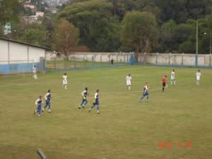 Time de Juniores do JAC depois de um gol.